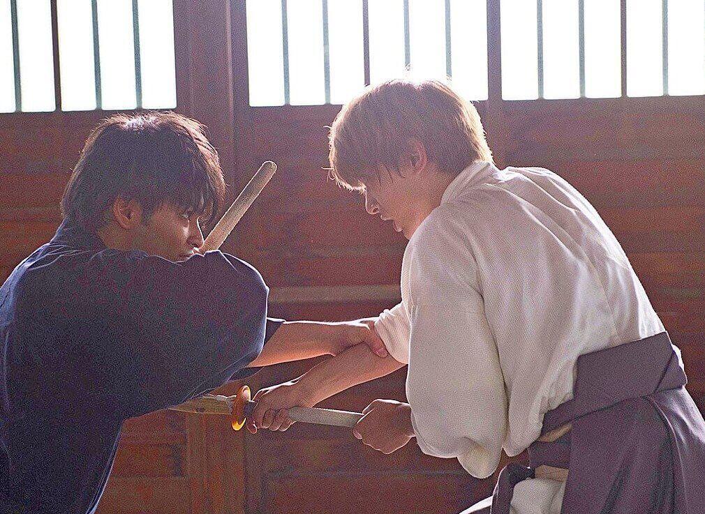 吉沢亮は学生時代は剣道やバスケ部でトレーニング