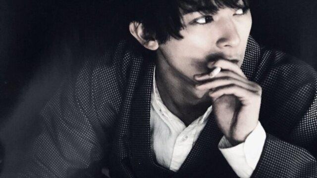 吉沢亮はヘビースモーカー?タバコの銘柄は?喫煙中のイケメン画像も