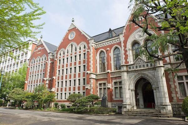 まるりとりゅうがRyugaの大学は慶應義塾大学商学部